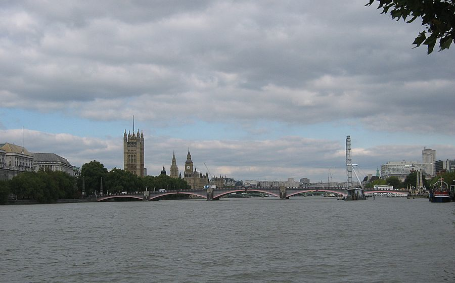 Westminster from Allbert Enbankment