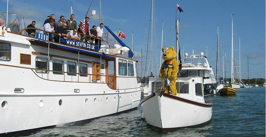 Pudsey greets passing yachts