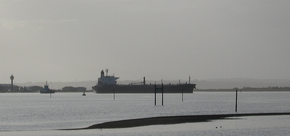 Tankship Riga past Hamble Point